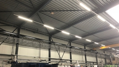 M-plastics schakelt over op duurzame LED verlichting - M-plastics
